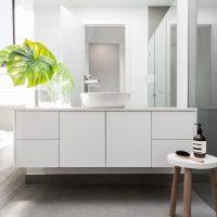 Koupelnové skříňky jsou praktické a oživí i vaši koupelnu